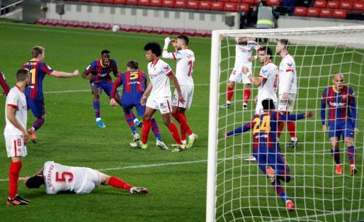 El Barça remonta al Sevilla