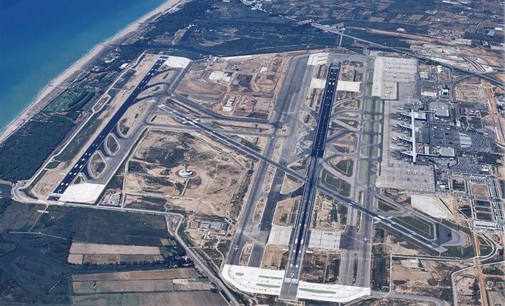 El mundo económico pide la ampliación del aeropuerto de Barcelona