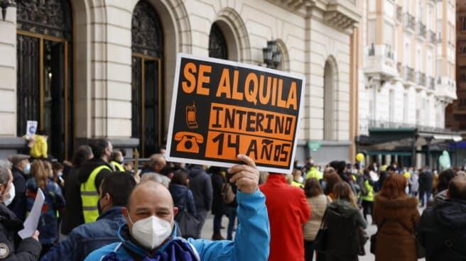 Los interinos con más de diez años podrán solicitar una plaza fija sin oposiciones